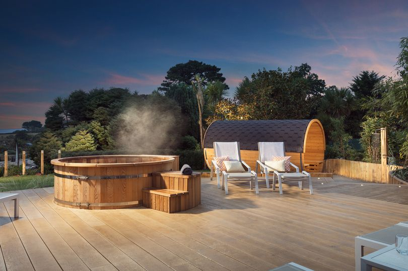 11 Spas In The Uk Perfect For Stargazing This Winter Hot Tub Outdoor Luxury Spa Resort Spa Uk