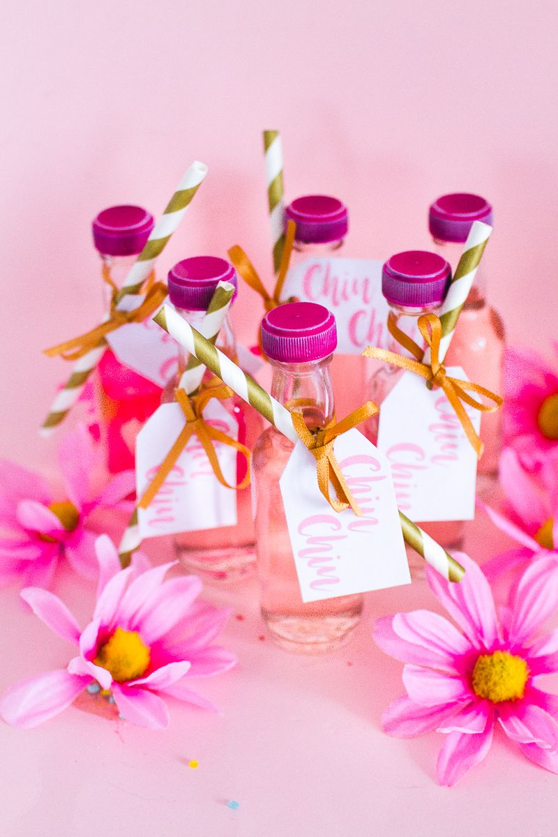 DIY PINK GIN WEDDING FAVOURS WITH FREE PRINTABLE TAGS | Gin wedding ...