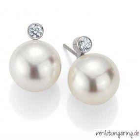 Silber Perlenohrringe mit einem Zirkonia by verlobungsring.de #pearls