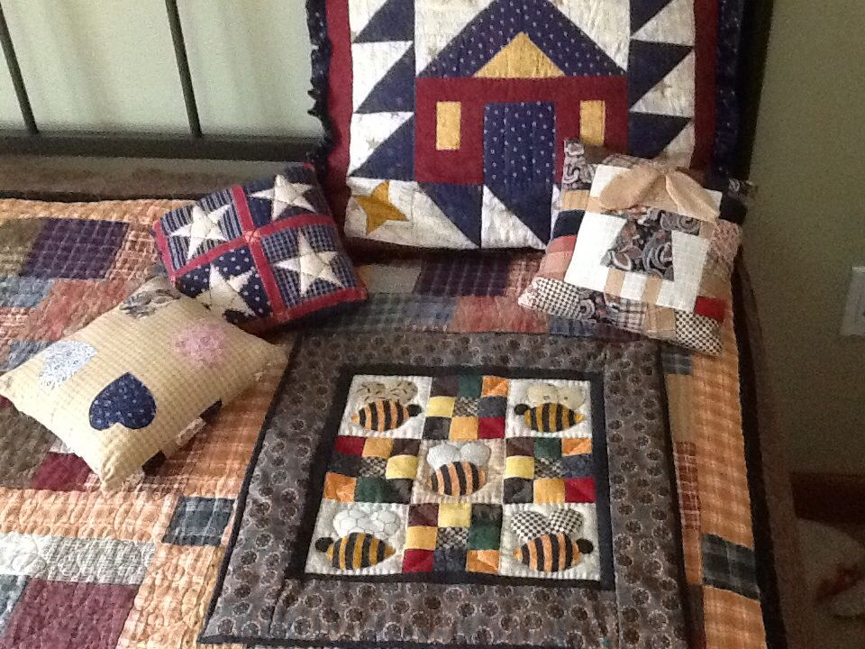 Little pillows and table cover