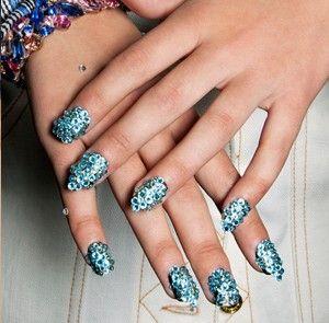Jayeon Kim's pick: sequins nails