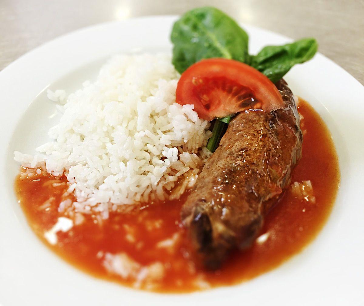 Denné menu Vranov | Roládka z hovädzieho mäsa preliata paradajkovou omáčkou, dusená ryža - reštaurácia Hotel Patriot*** #hotel #restaurant