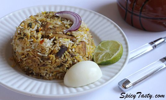 Hyderabadi chicken dum biryani cuisine hyderabadi food there are many different types and versions of regional biryani recipes and hyderabadi dum biryani is one of the most popular of all forumfinder Gallery