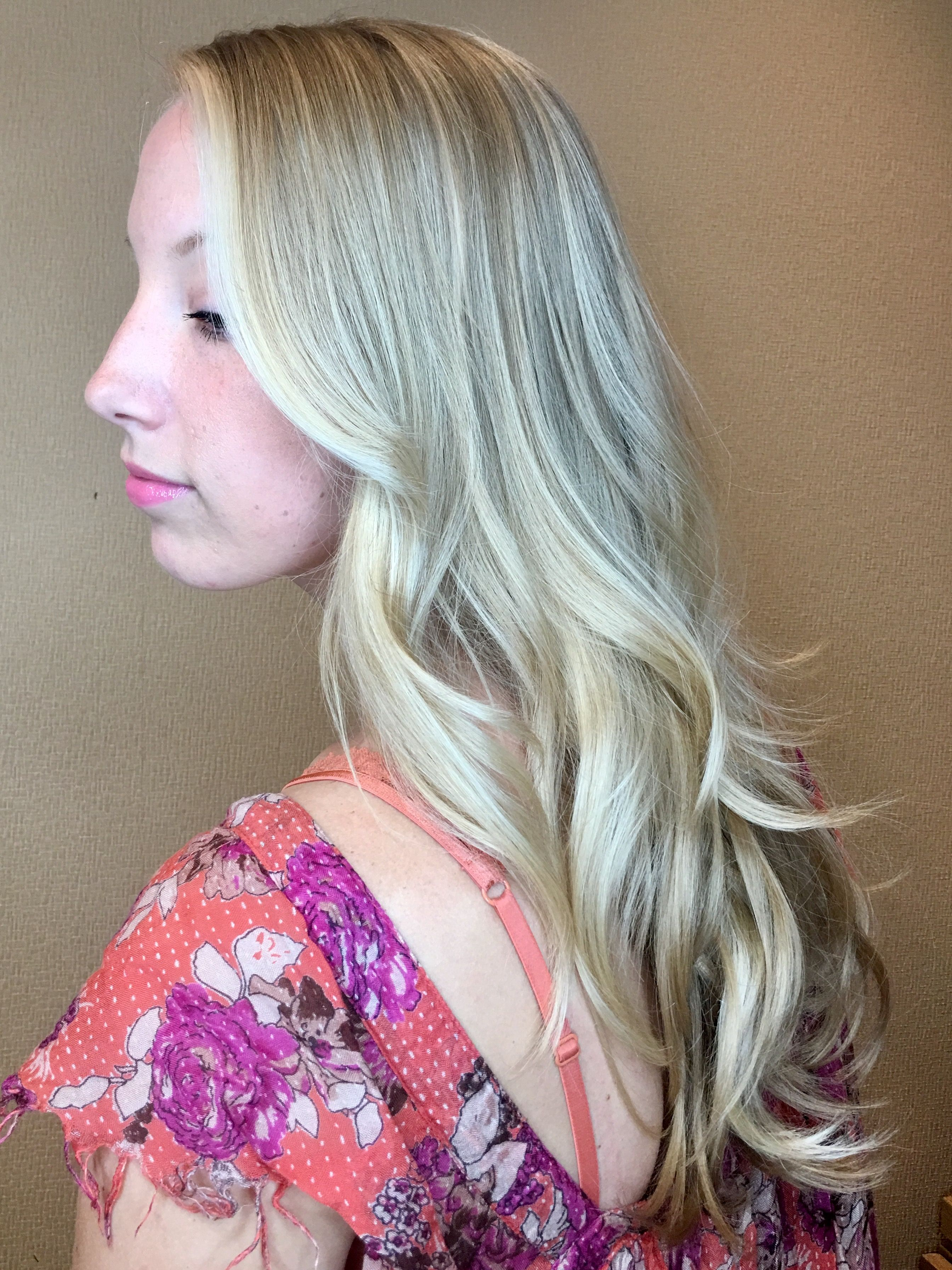 Live The Blonde Life Haircolor By Joico Guest Artist Zoe Carpenter