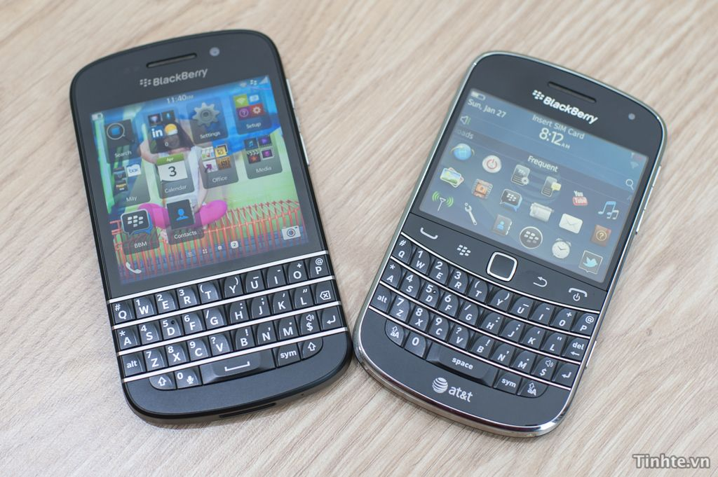 Photos of blackberry q10 vs bold 9900 blackberry from berryza photos of blackberry q10 vs bold 9900 reheart Images