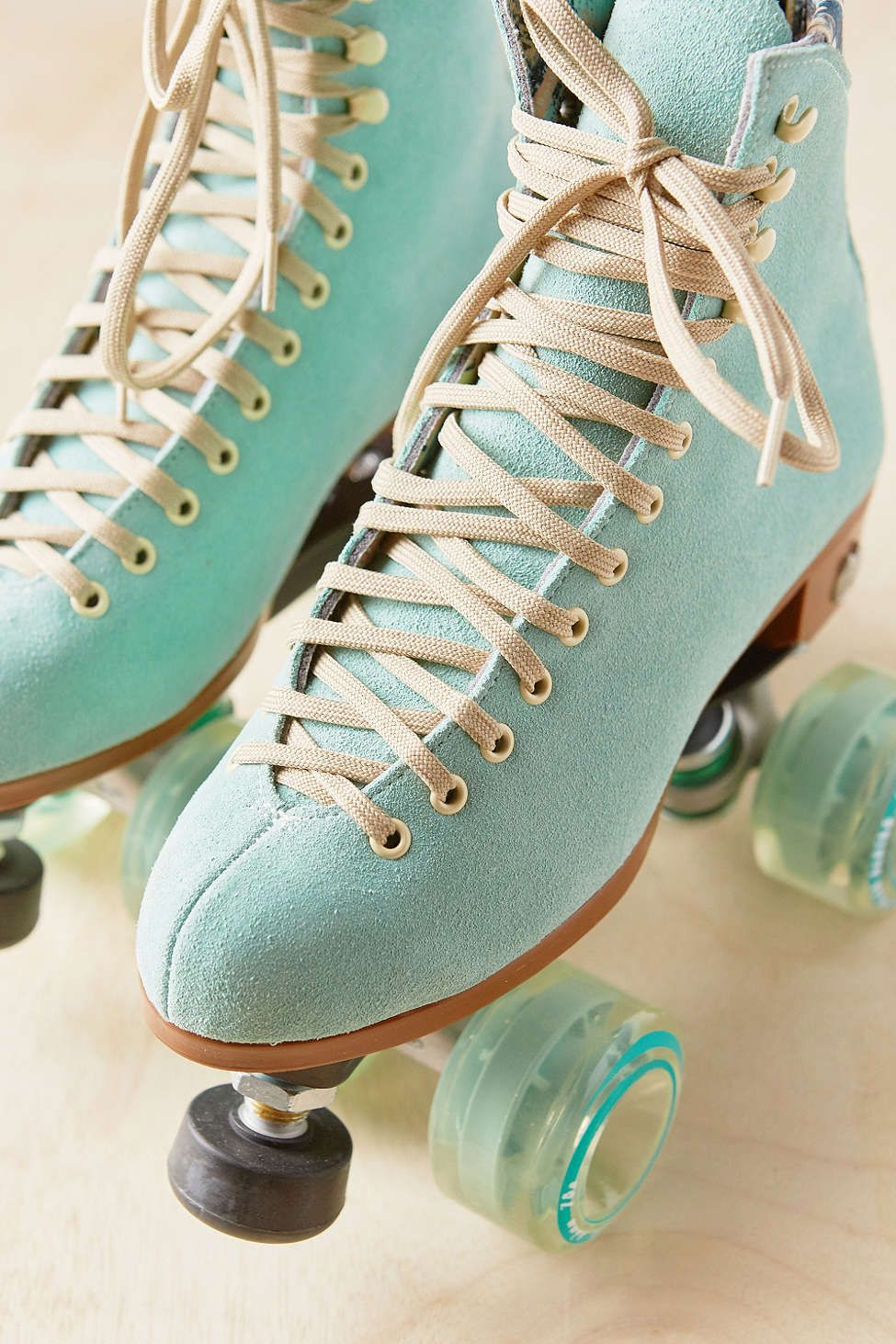 Roller shoes london - Moxi Lolly Roller Skates