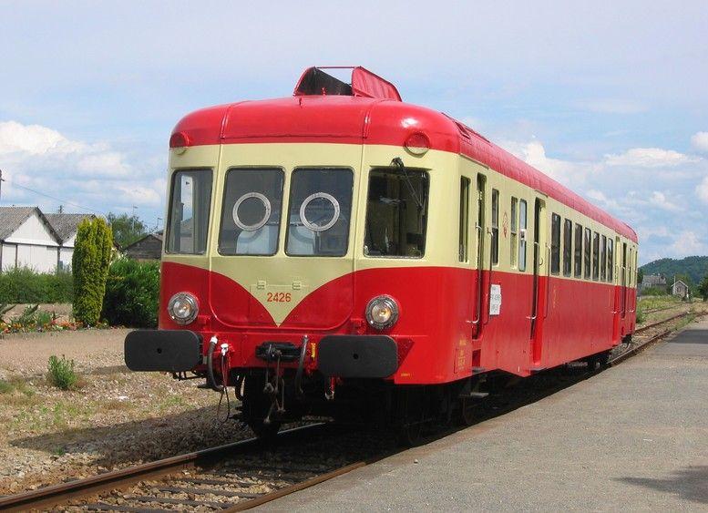 Autorail X 2426 In Pont Audemer Station Trains Fond Ecran Metro