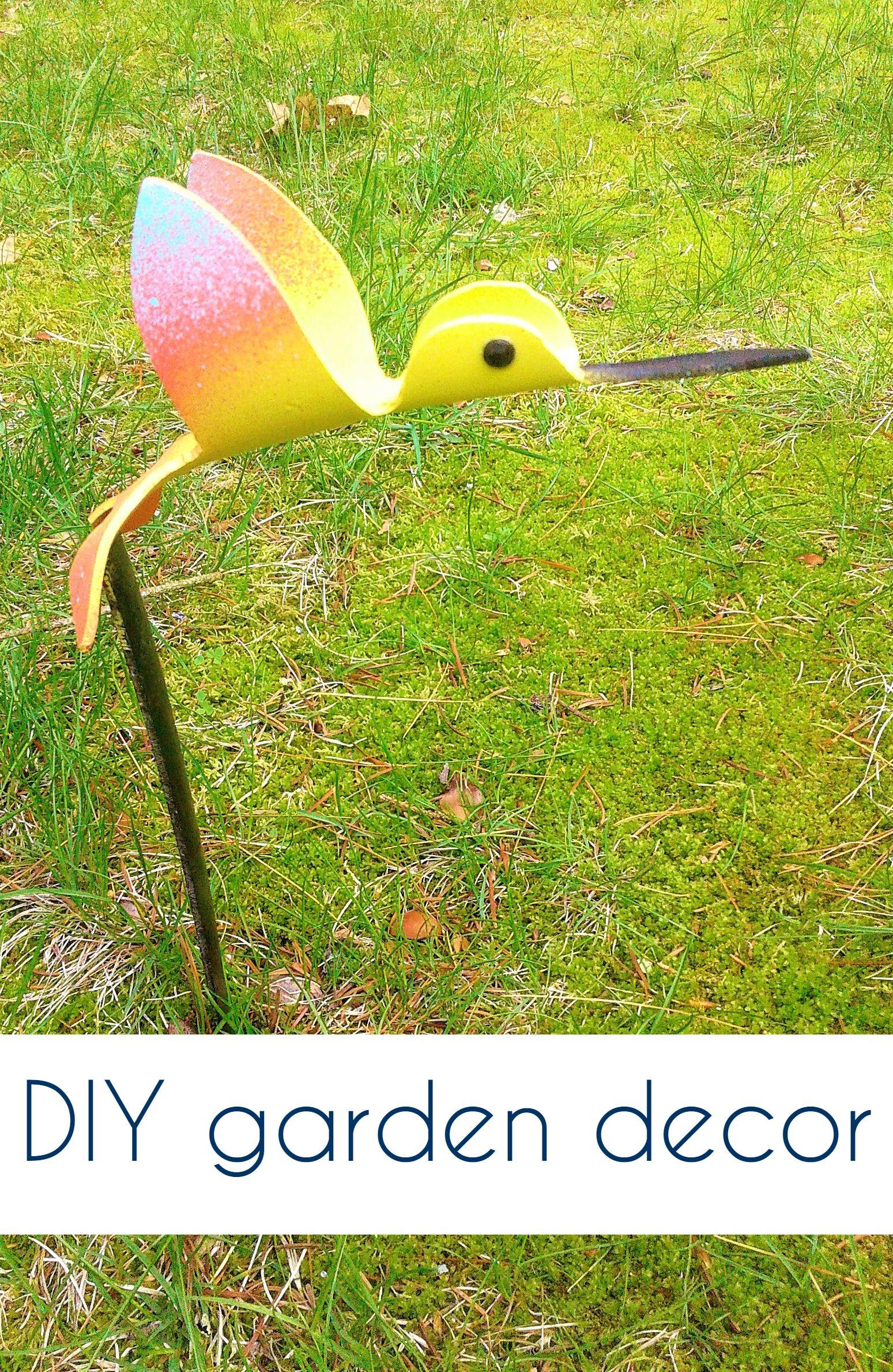 Add Some Adorable Yard Art To Your Garden With These Sweet Little Pvc Hummingbirds Pvcpipebirds Gardendecor Flamingo Yard Decor Diy Outdoor Decor Yard Art