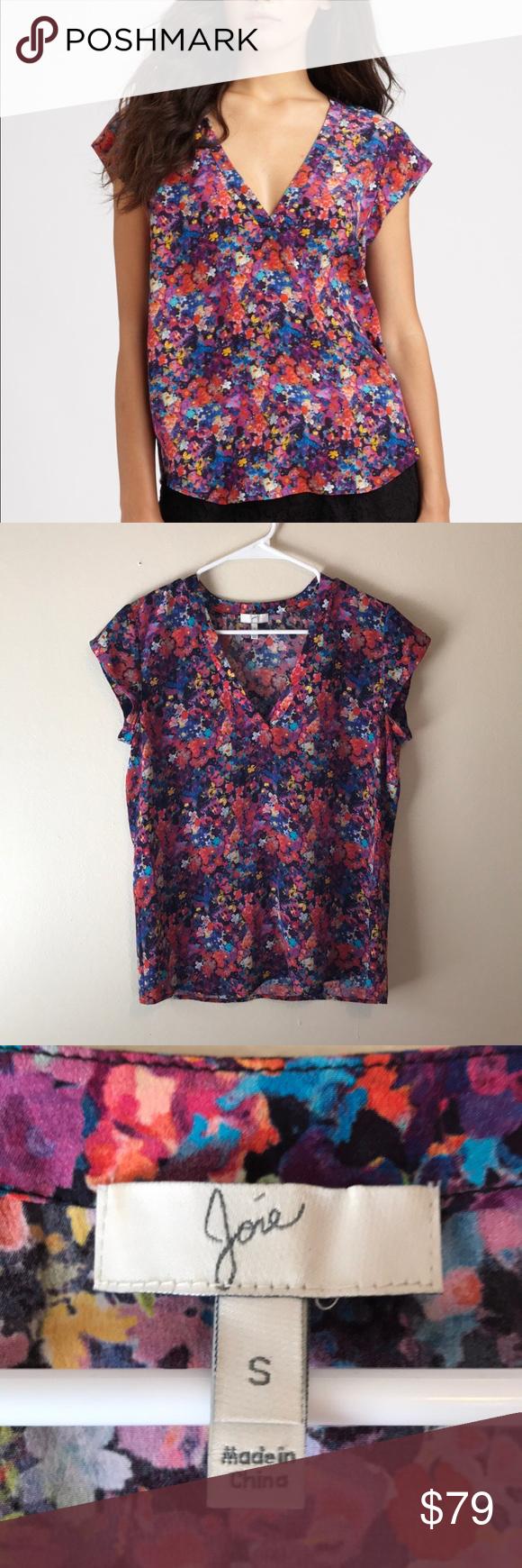e51d20e17eb827 Joie Floral Silk Short Sleeve Blouse Joie Rubina Silk Top. Floral indigo  print. V-neck style