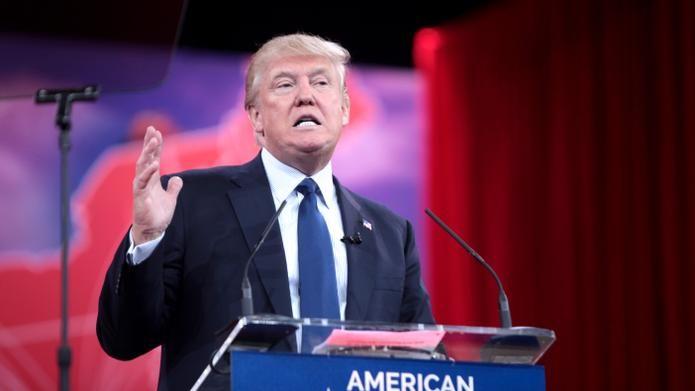 Jahrelang wetterten Republikaner gegen jegliche Regulierung. Bei den Vorwahlen durchgesetzt hat sich aber Donald Trump, dessen Fans Regulierung zu ihren Gunsten erwarten. Die Situation verkomplizieren Unternehmen, die an Netzneutralität Gefallen finden.