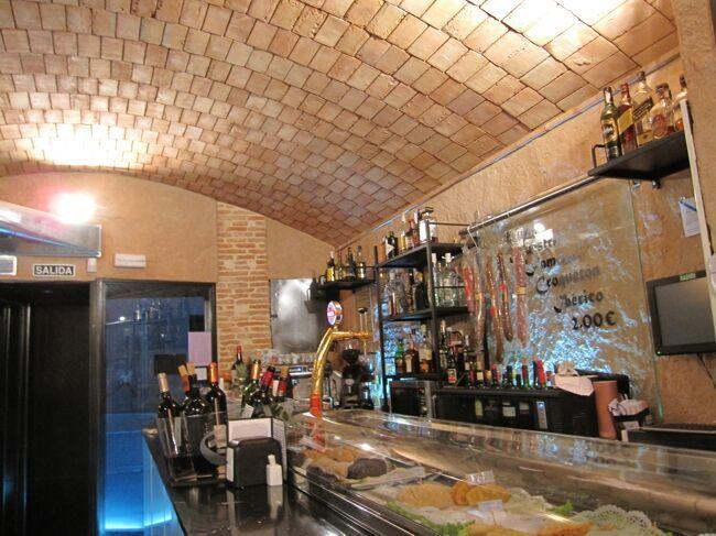 Decoraci n con piedra artificial y natural para for Decoracion de restaurantes