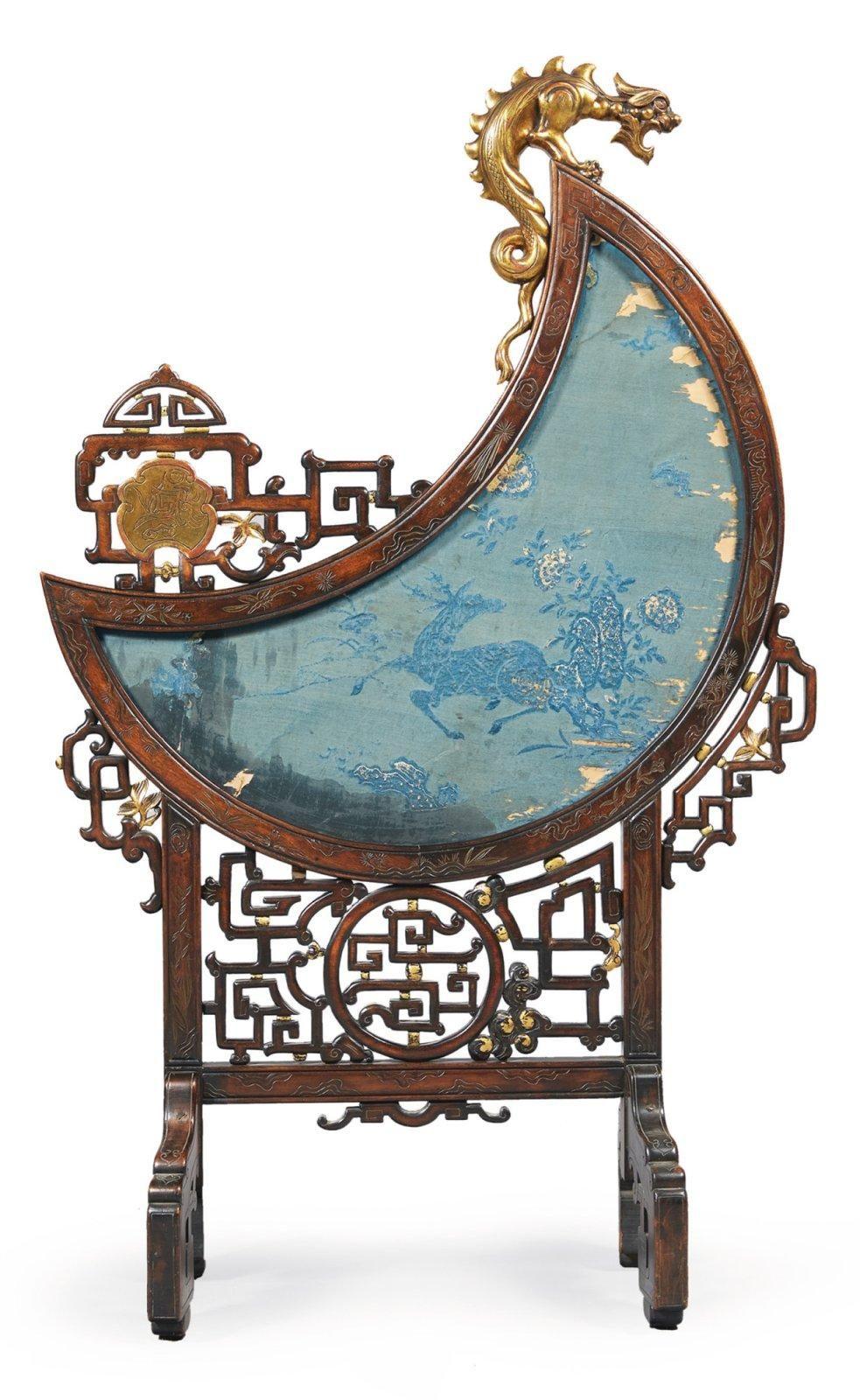 Attribu viardot pare feu dans le style chinois en bois for Mobilier style chinois