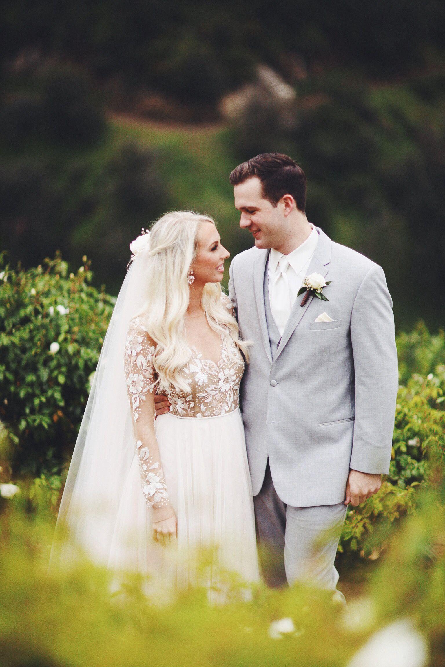 Serendipity Garden Weddings Oak Glen California Remmington Gown By Hayley Paige