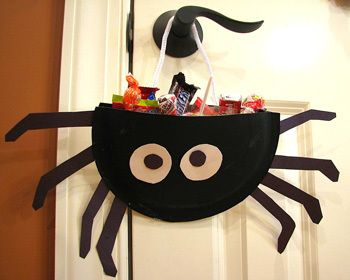 spider treat holder