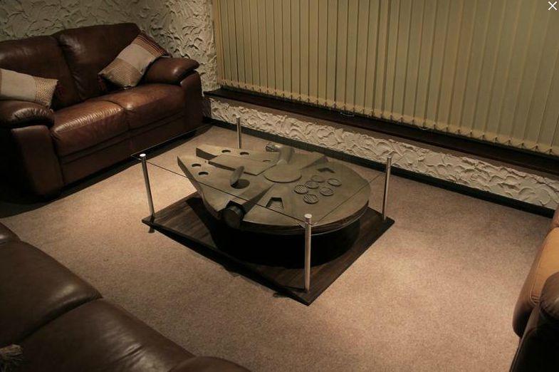 faucon millienium 2 so strange so weird so what pinterest star wars table basse et. Black Bedroom Furniture Sets. Home Design Ideas
