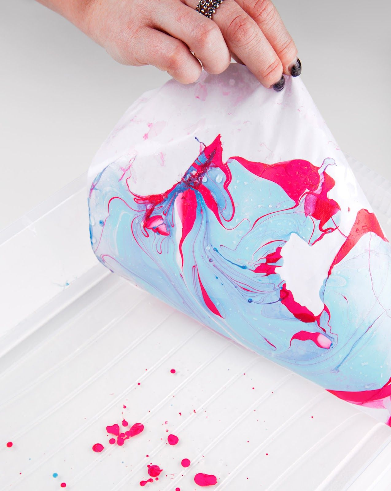 Costello & Hellerstein on Packaging of the World - Creative Package Design Gallery