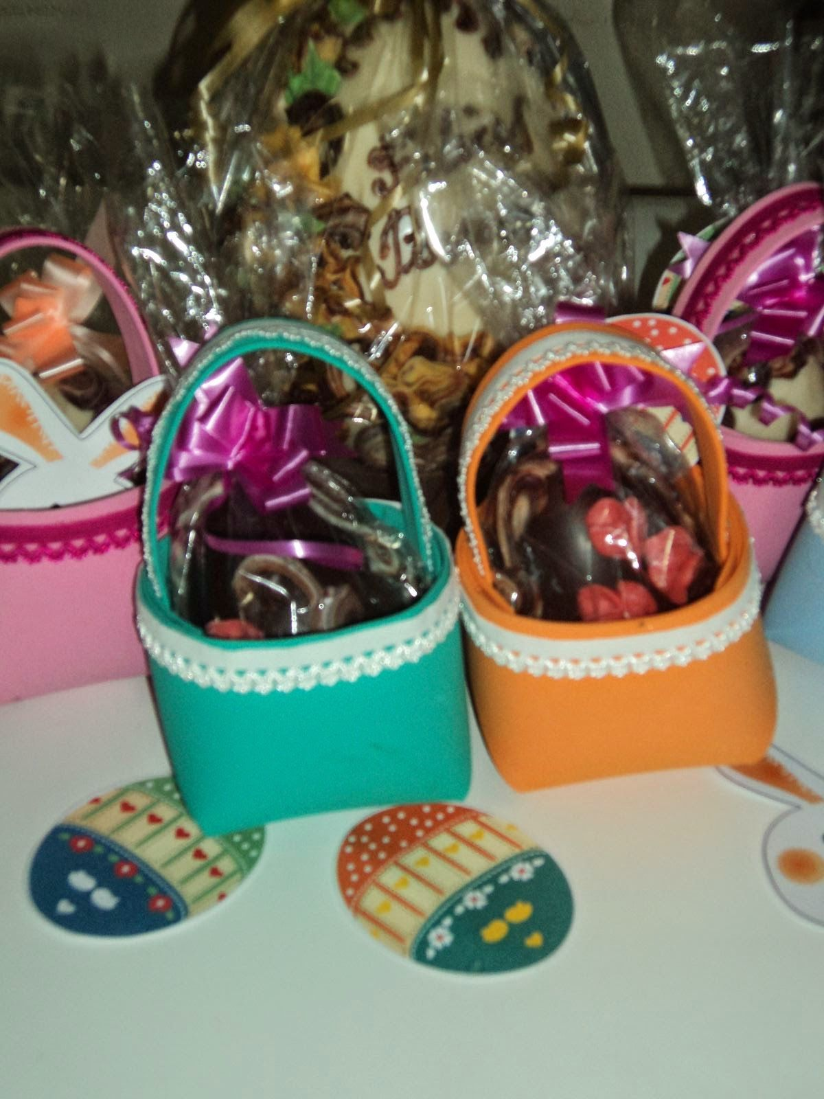 Canastas en goma eva para huevos de Pascua (moldes e imprimible de ...