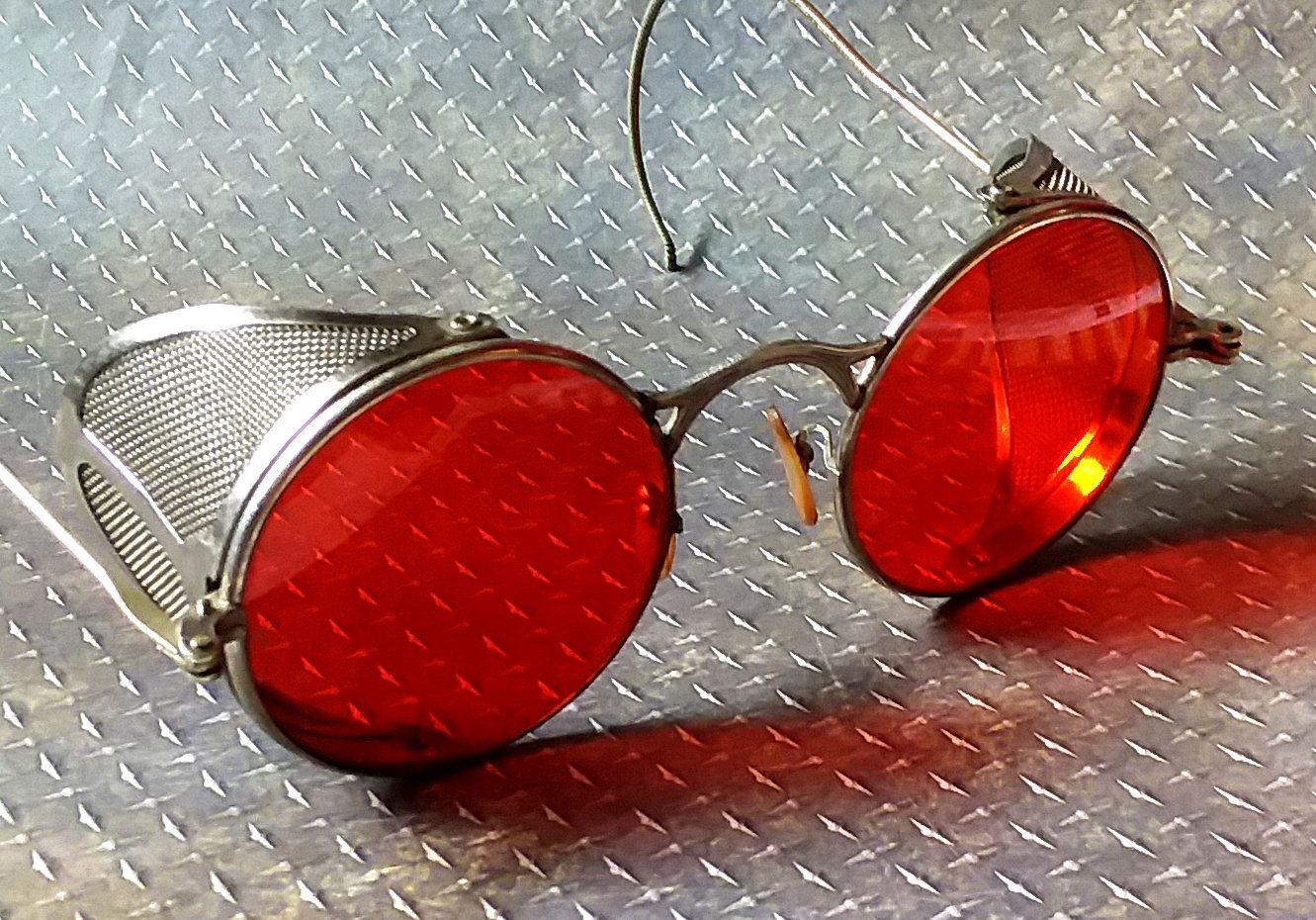 Cool Vintage Crimson Red Aviator, Driving Sunglasses