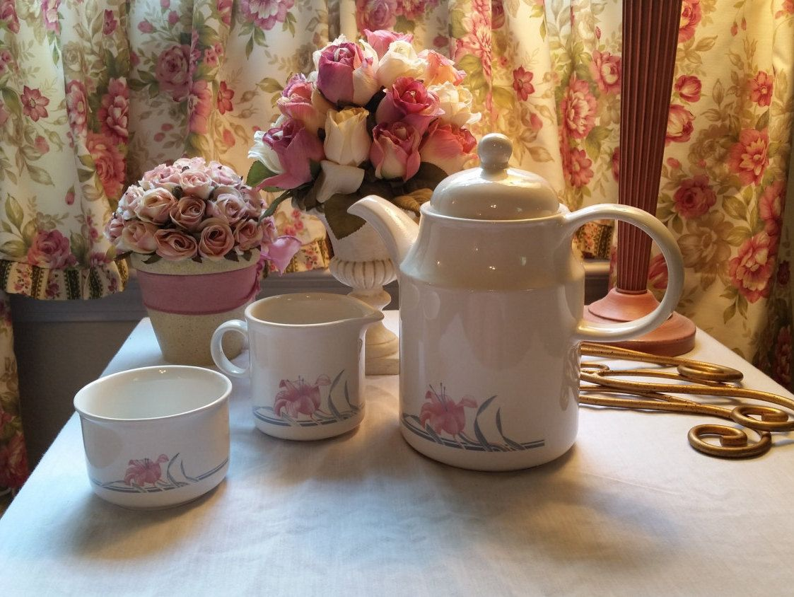 English Pink Lily Coffee Server, Creamer, Sugar Bowl, by Coloroll KilnCraft from England, English Cottage, Shabby Chic, Kitchen, Pink White #coffeeserver