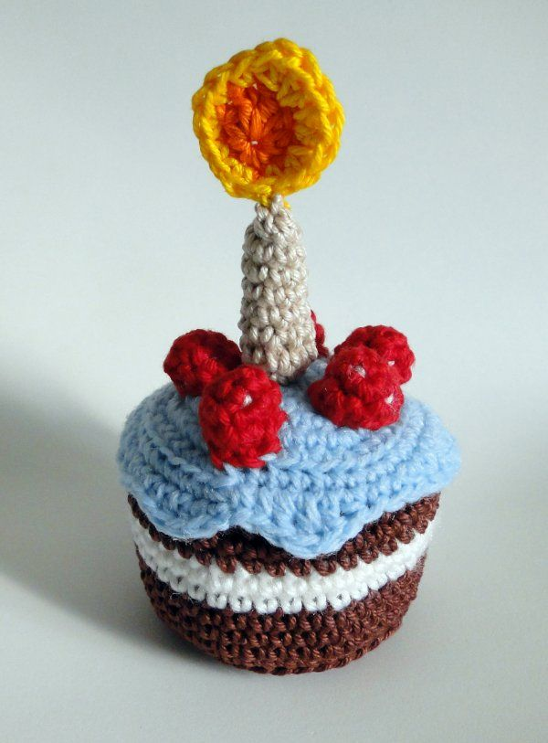 Amigurumi bolo de aniversário.