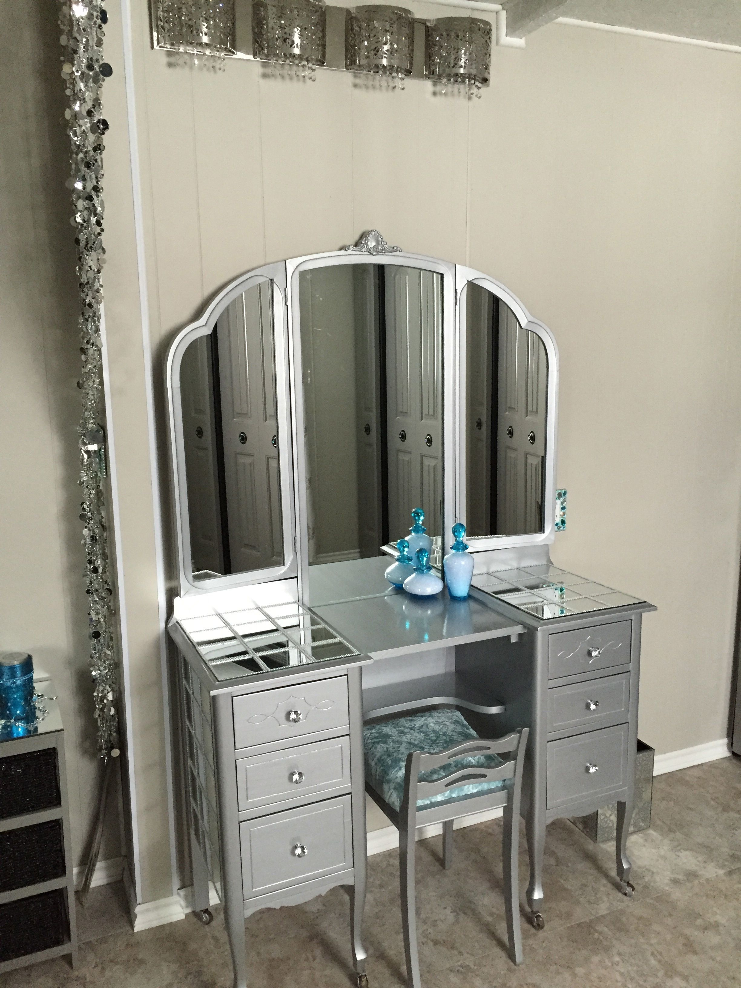 Mirror And Painted Bedside Table: Narrow Bedroom, Diy Nightstand