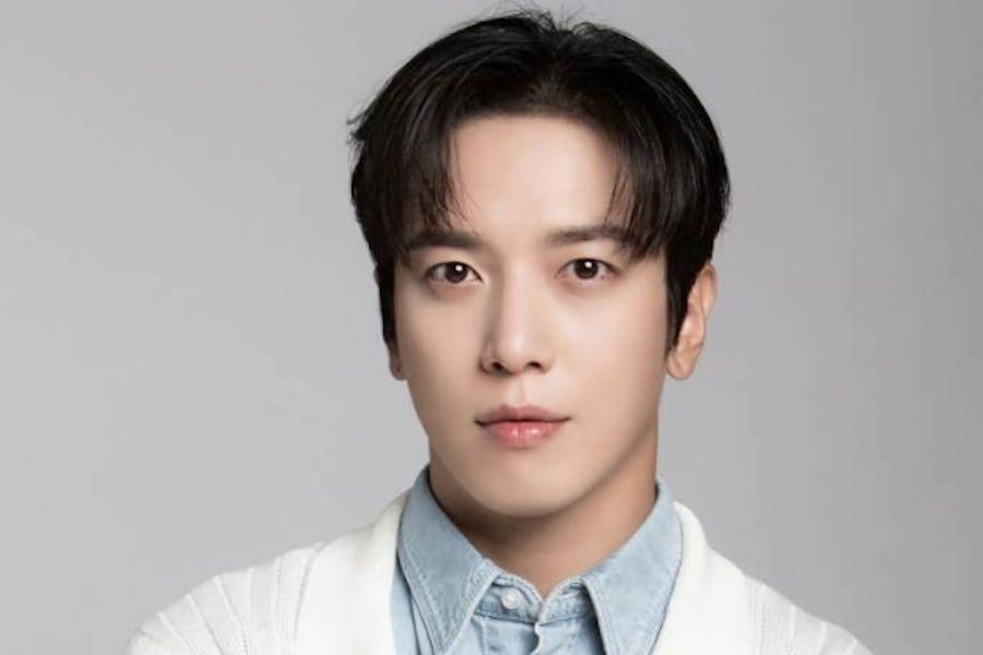 """CNBLUE's Jung Yong Hwa Talks About Acting With Jang Nara + How He Approached His Role In """"Sell Your Haunted House"""""""