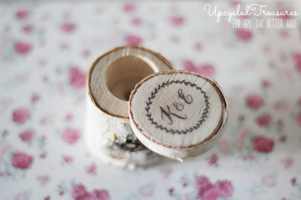how-to-make-a-rustic-birch-bark-miniature-jewelry-box-upcycledtreasures. love this. simple idea that is so pretty.