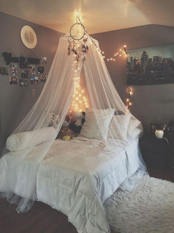 16 Romantic Canopy Beds Ideas For Girls #roomideasforteengirls