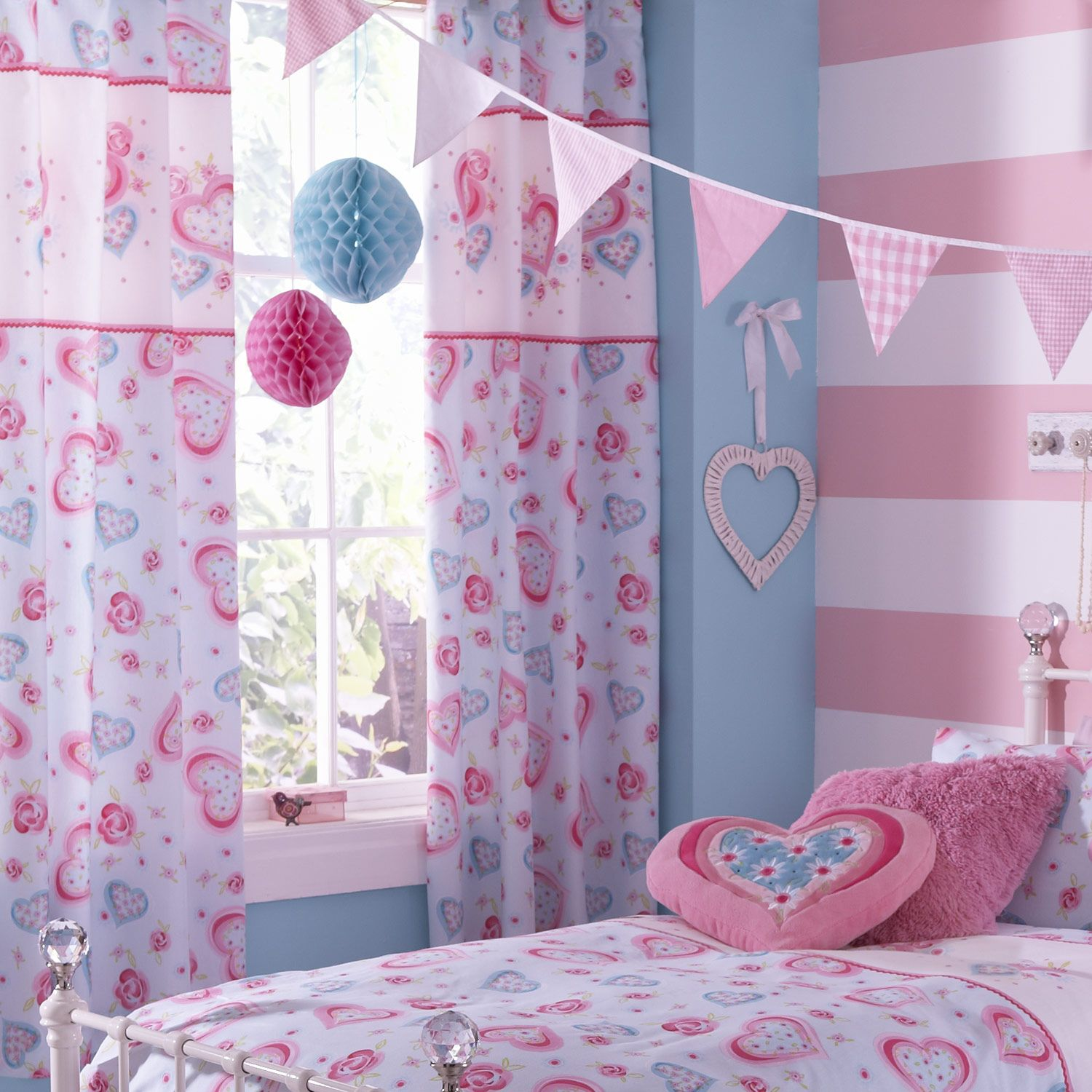 Teen Girl Bedrooms Theme  Cute Bedroom Design  Pinterest Prepossessing Curtains For Teenage Girl Bedroom Review