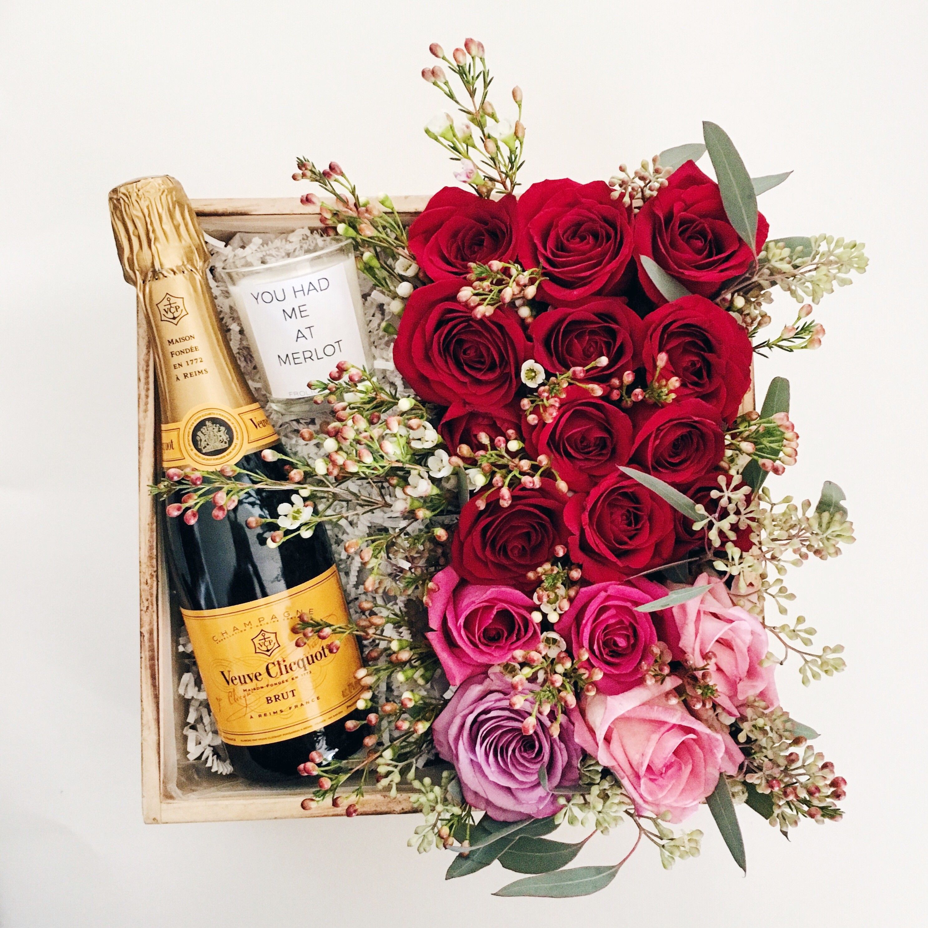 Send Roses In A Box Flowers In Los Angeles Ca Champagne Lovers Unique Flower Arrangements Vday Gifts