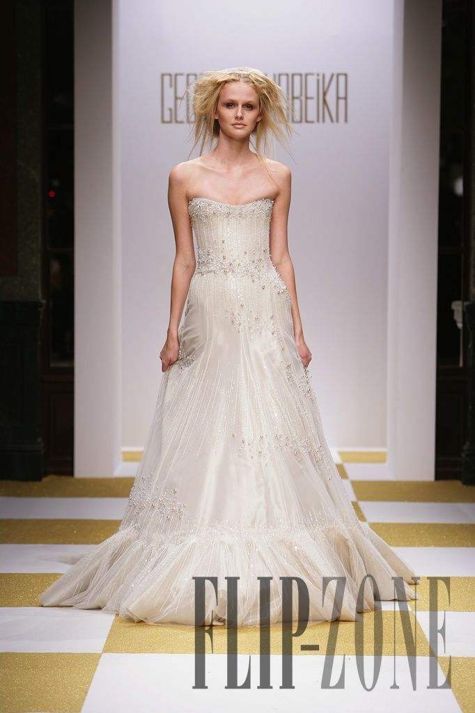 Georges Hobeika Fall-winter 2006-2007 - Couture - http://www.flip-zone.com/georges-hobeika,14