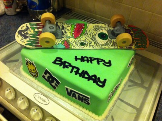 Tremendous Skateboard Cake Birthday Cakes With Images Skateboard Cake Funny Birthday Cards Online Elaedamsfinfo