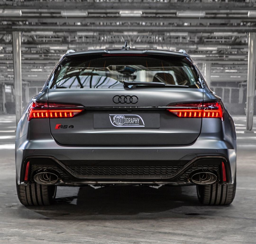 As I Show You Here The New 2020 Rs6 Avant With The Black Optics There Are Some Things I Still Wanna Point Out After All These Thousan Audi Wagon Audi Audi Rs6