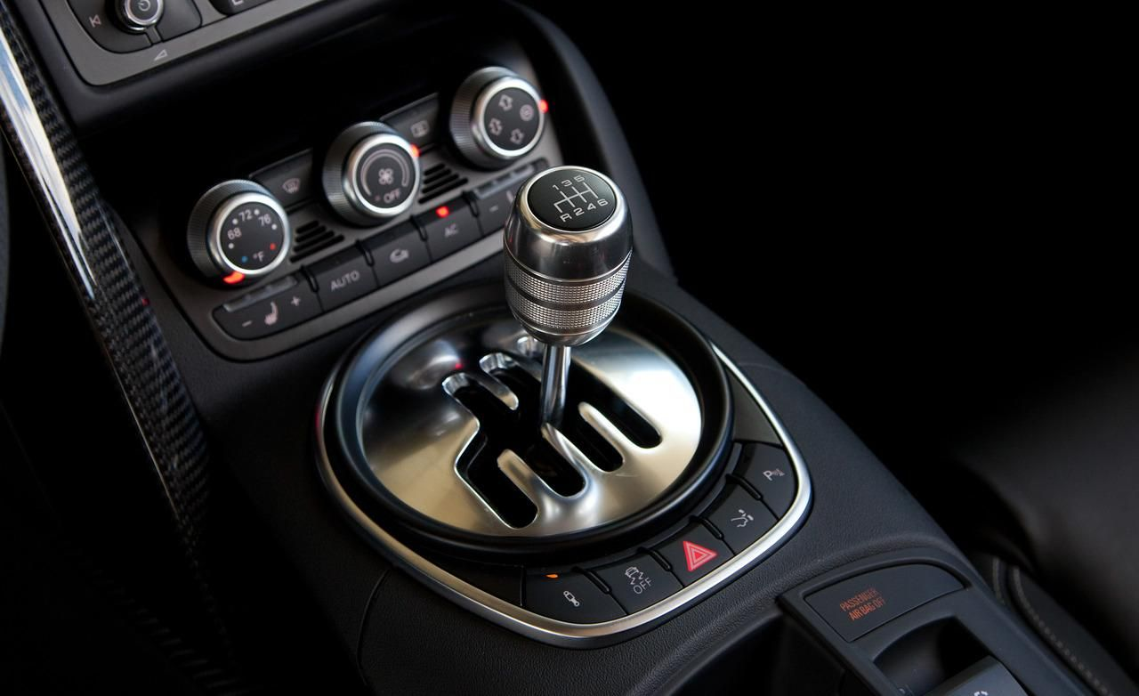 First Gen Audi R8 Had The Most Interesting Manual Shifter Manual Car Audi Audi R8