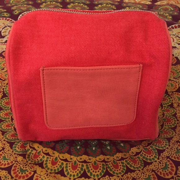 NWOT- Chloe makeup bag Brand new, never used. Comes from a smoke & pet free home. Free surprise gift w/ purchase :) Chloe Bags