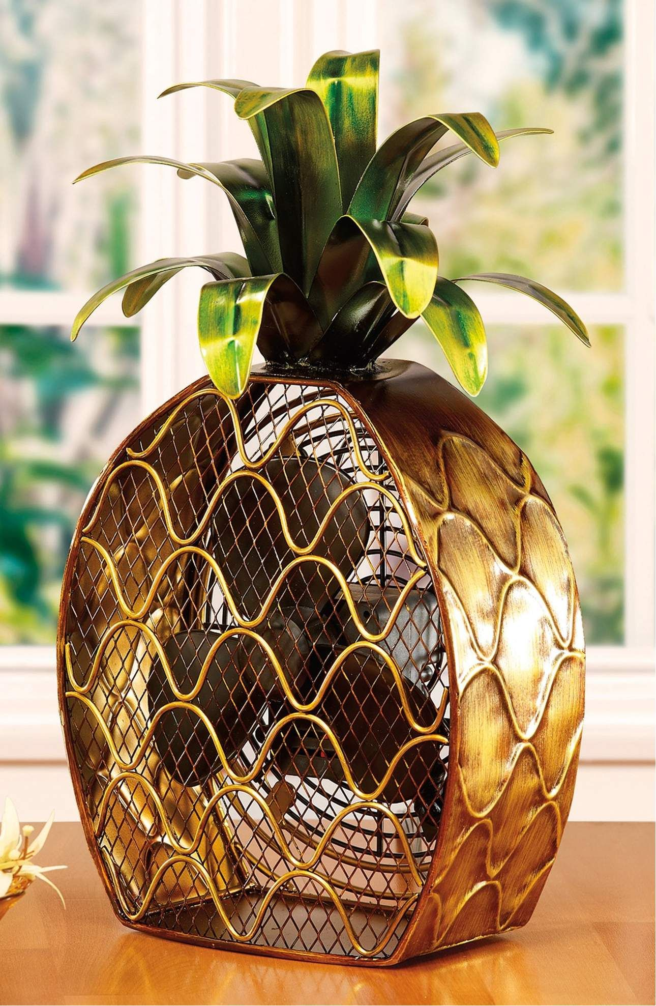 Product image pineapples pineapples u more pineapples