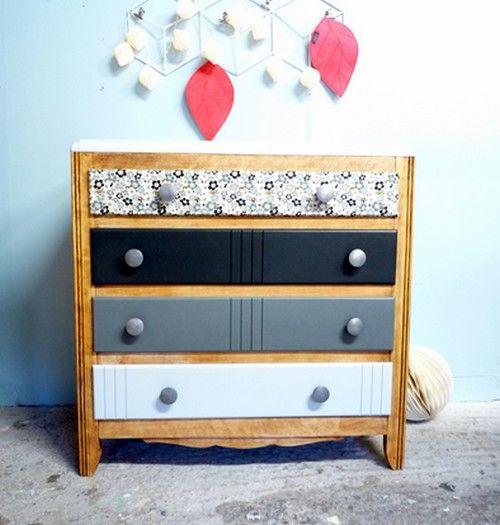 commode vintage en bois massif relook e dans un d grad de gris et papier japonais motif fleurs. Black Bedroom Furniture Sets. Home Design Ideas