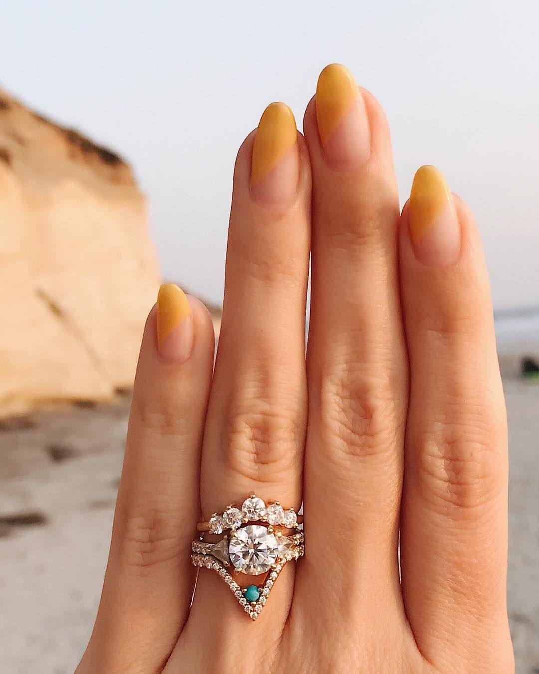 30 Beach Wedding Hairstyles Ideas Designs: This Not-So-Boring Nail Art Is Perfect For Fall