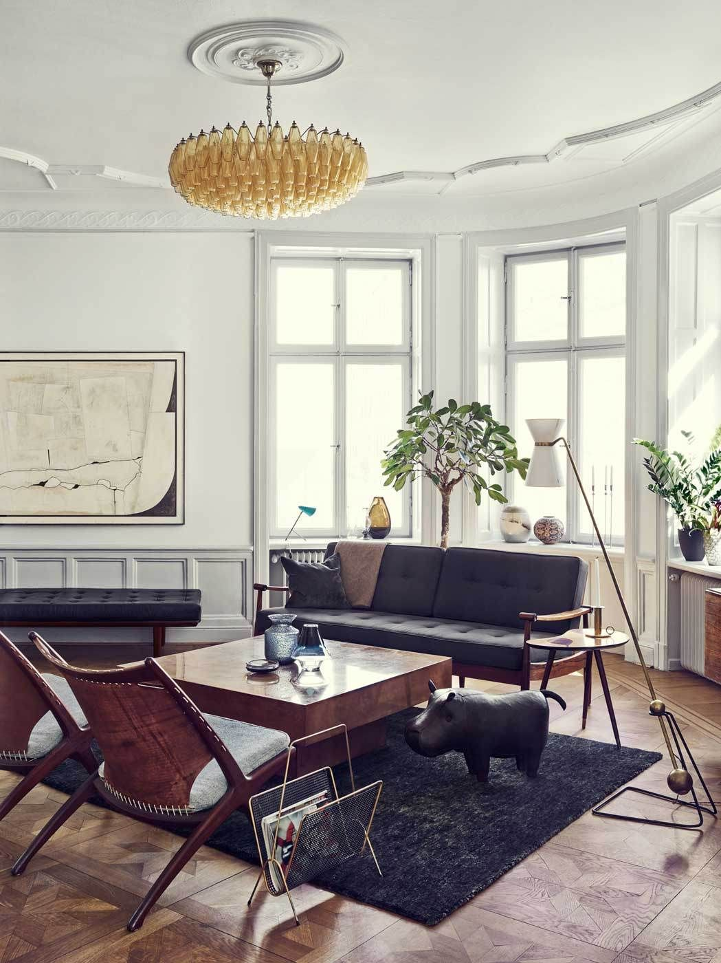 Joanna lavens stunning stockholm apartment yellowtrace love the light fitting