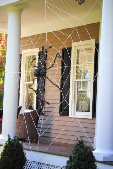 14 Halloween Decor Ideas You Can Easily Pull Off Scary, Spider and - halloween decorations spider