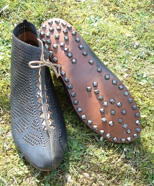 Vindolanda and the dating of roman footwear