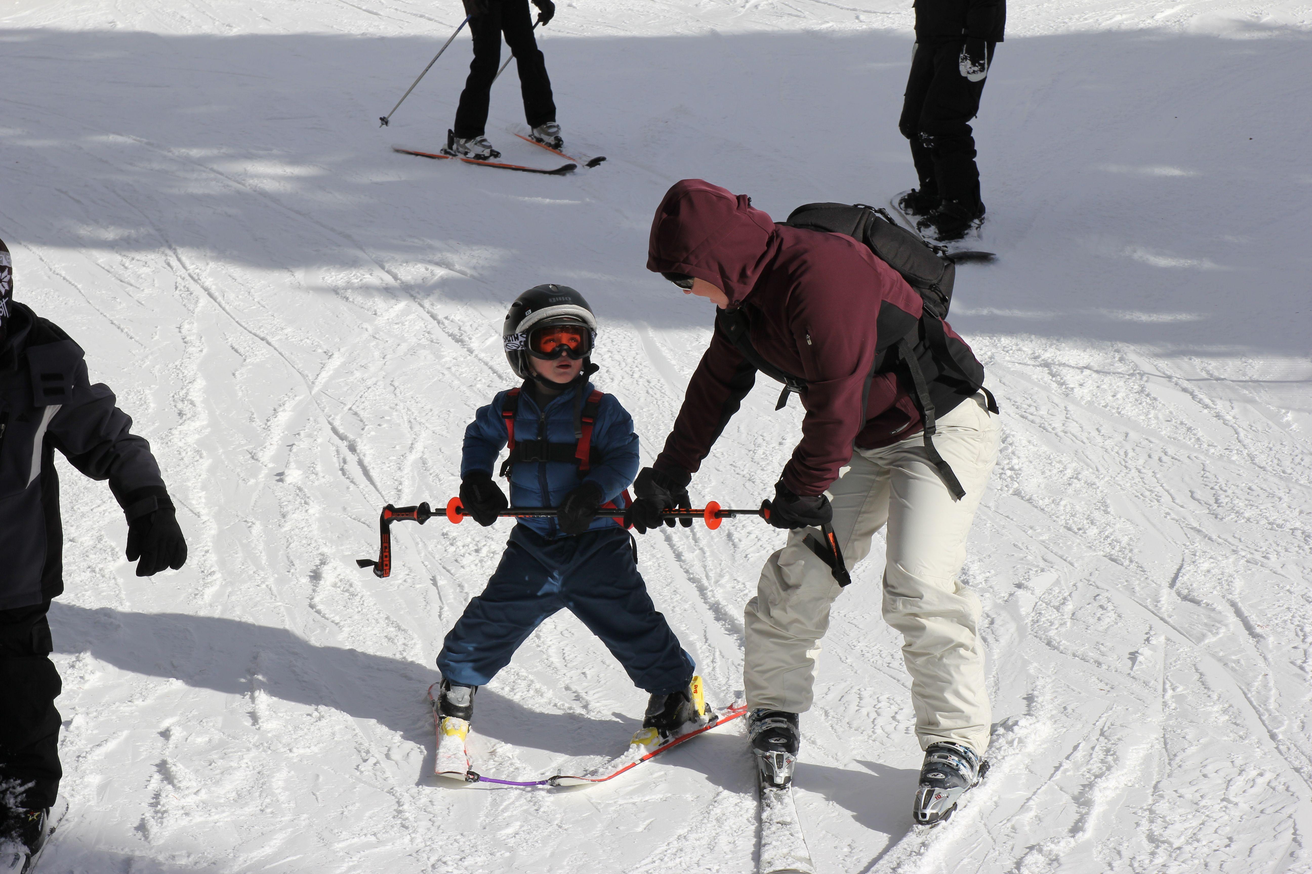 Edgie Wedgie Helps Teach Kids To Ski Teaching Kids Help Teaching Kids