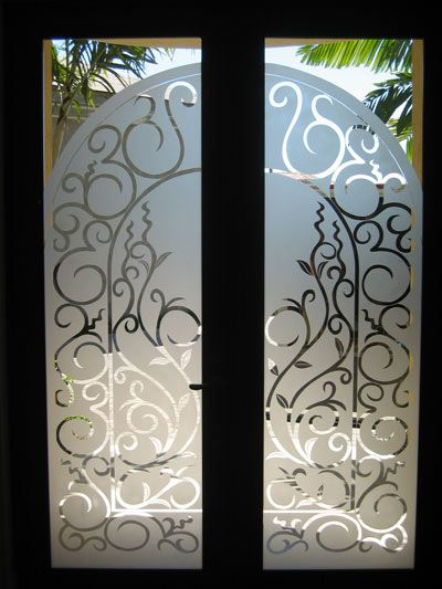 Swirl Design On Etched Glass By Artist Peter Edward Jurgens Www Krystalglasscompany Frosted Glass Interior Doors Glass Closet Doors Frosted Glass Closet Doors