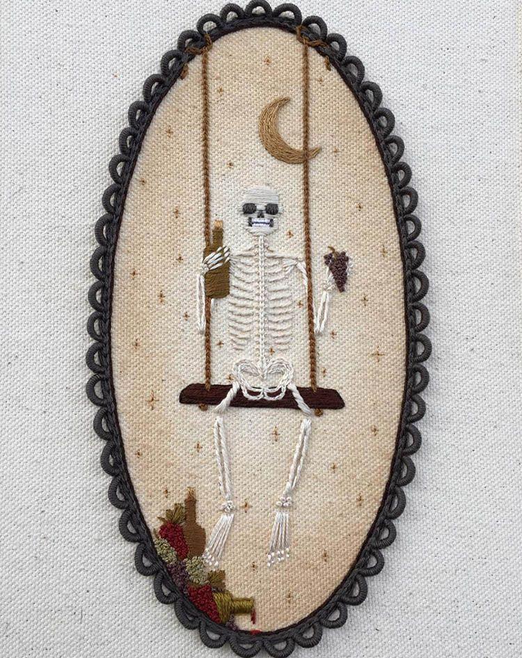Squelettes brodés par Britt Hutchinson | Bordado, Dia de muertos y ...