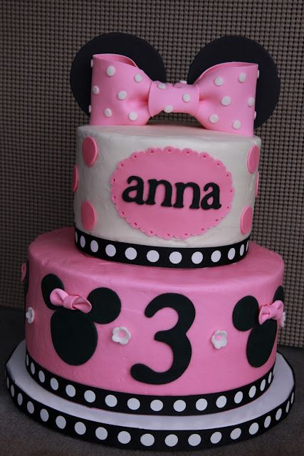 Minnie Mouse birthday cake for a 3yearold girl Top tier vanilla