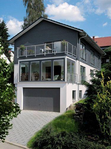 Stadtvilla mit garage im keller  Tolle Aussichten im Erdgeschoss dank dem darunterliegenden Keller ...