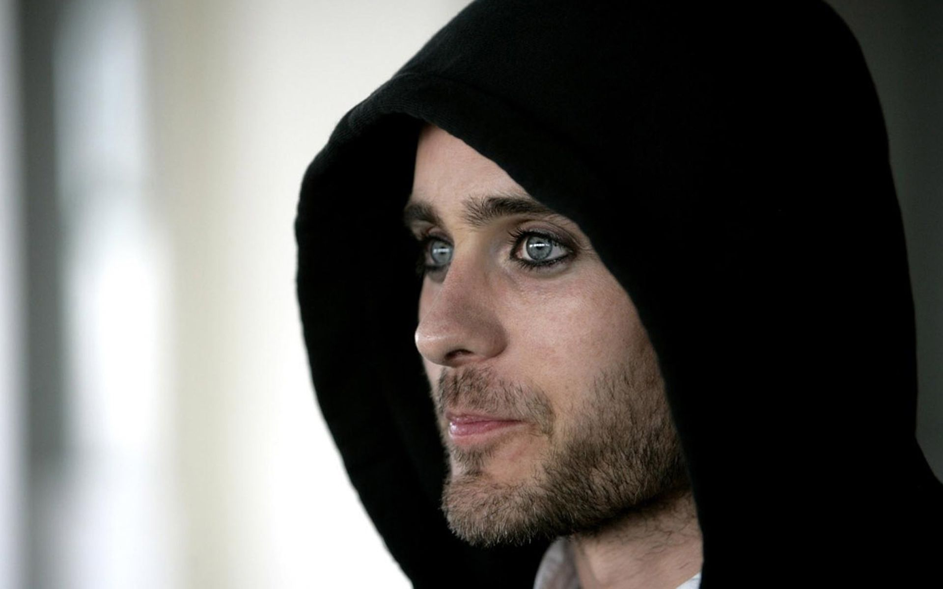 I think this is my Fav pic of @JARED LETO . It's the twinkle of naughtiness in his eyes and the smirk that does it!