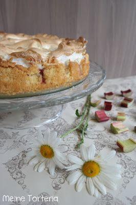 Rhabarberkuchen mit Baiserhaube - Meine Torteria