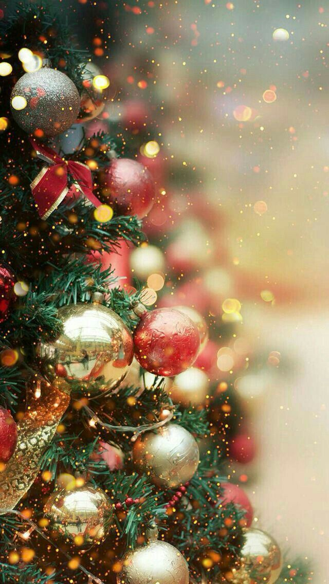 Christmas Tree Decorations Phone Wallpaper/Background