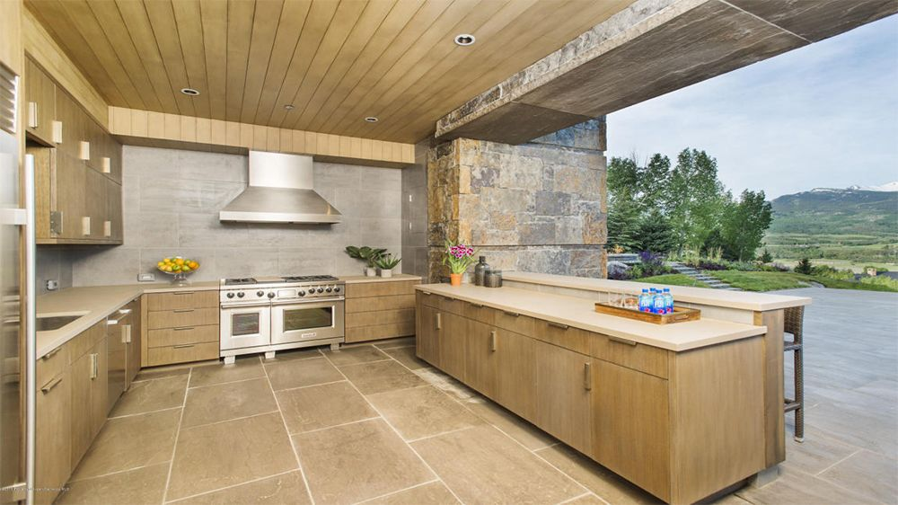 10 Homes For Sale With Outdoor Kitchens Life At Home Trulia Blog Outdoor Kitchen Outdoor Kitchen Bars Cool Kitchens